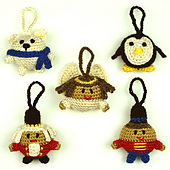 Crochet_christmas_character_ball_ornaments_2_small_best_fit