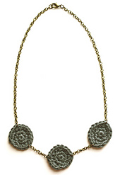 Crochet_circle_necklace_2_small_best_fit