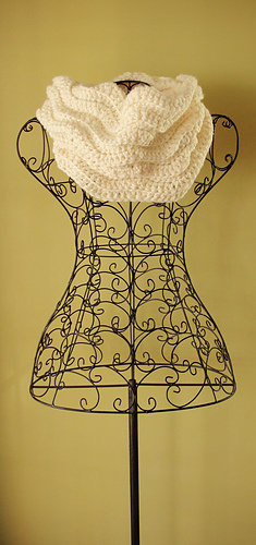 Cream_cowl_2_medium