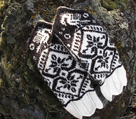 Berit_s_double_heart_mittens_1-29-14_small_best_fit