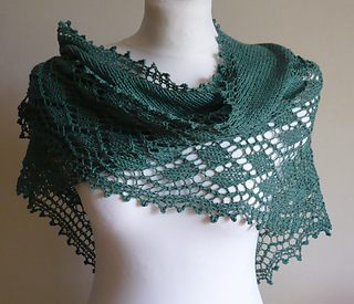 Public_garden_lace_shawl_16_small2