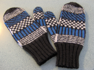 Mittens_087_small2