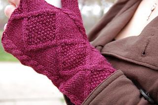 Fingerless_mittens_by_dana_berry_small2