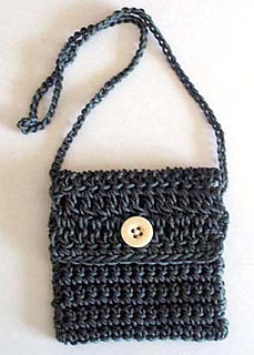 Little_crochet_bag_folded_strap_small2
