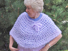 Soft_crochet_capelet_whole_fix_small