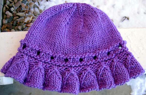Bell_ruffle_hat_plain_medium