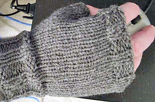 Mens Mittens Knitting Pattern : Ravelry: Mens Fingerless Mitts pattern by Kathy North