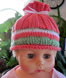 Coral_reef_baby_hat_august_small2