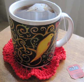 Ruffly_coasters_red_w_tea_small2