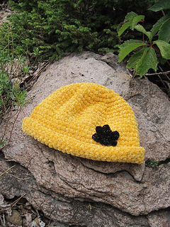 Chenille_glam_roll_brim_hat_on_rock_small2