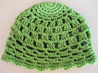 Pretty_little_baby_hat_green_2_small2