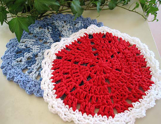 Wedgy_edgy_dishcloth_blue_red_2_res_small2