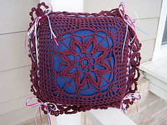 Flowered_filet_pillow_cover_new_outside_small