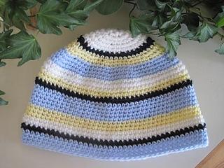 Crochet_hat_swedish_color_scheme_1_small2
