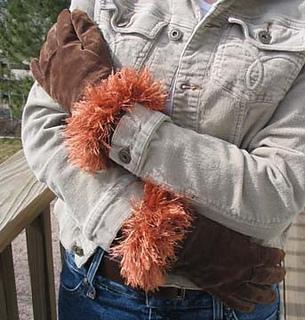 Glove_cuffs_outside_2_small2