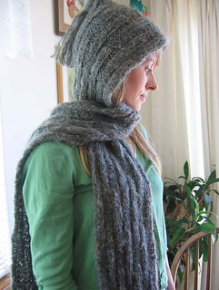 Hooded_soft_scarf_on_c_3_small2