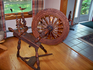Antique Spinning Wheel Details Photos Above Deb0321