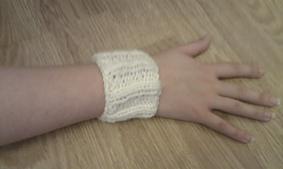 Wrist_warmer_small_best_fit