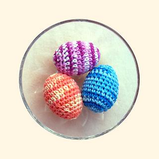 3-17_ombre_eggs_small2