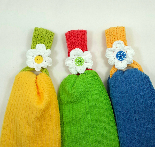 Ravelry Daisy Towel Holder Pattern By Claudia Lowman