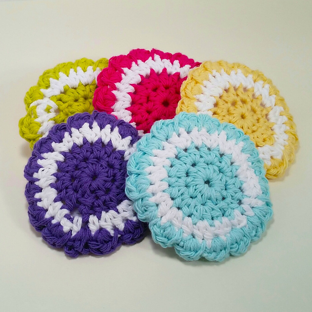 Ravelry Two Color Scrubbies Pattern By Claudia Lowman