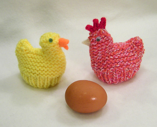Knitted Chick Egg Cosy Pattern : Ravelry: Chicken and Duck Egg Cozies (Easter) pattern by Claudia Lowman