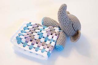 Elephant-snuggle-01_small2