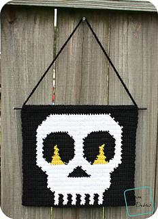 Skull_wall_hanging_724x1000_small2
