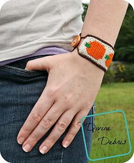 Pumpkin_bracelet_824x1000_small2