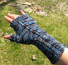 201003_dradis_mitts4_small