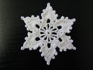 Ravelry Bells Flakes And Tree Skirt Edging Snowflake C Pattern By Patons