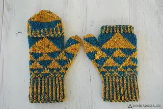 Fractal_mittens_inside_small2