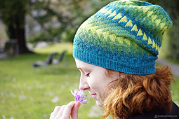 Dingle_hat_donnarossa_designs-side_view_park_flower_small_best_fit