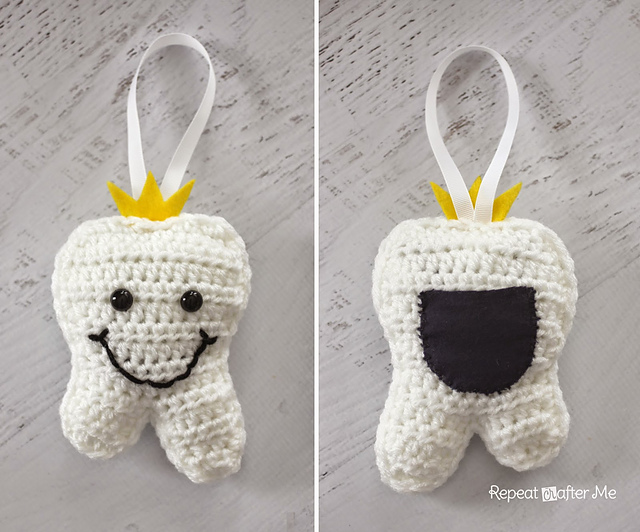 Ravelry: Tooth Fairy Pillow pattern by Sarah Zimmerman