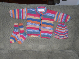 Nicole_s_baby_sweater_small2
