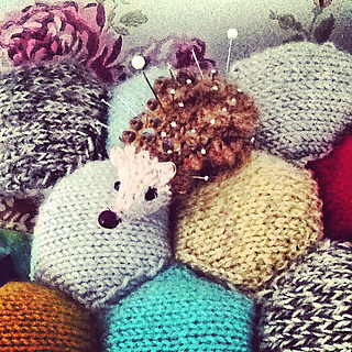 Hedgehog_pin_cushion2_small2