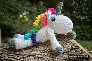 e74351c611e Ravelry  Rainbow Unicorn Niji Sanda pattern by Shawn Torres