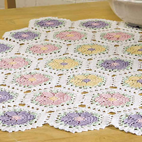 Amazing Ravelry: Daisy Tablecloth Pattern By Susan Lowman