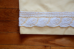 Pillowcase_edging1_dsc_8375_small_best_fit