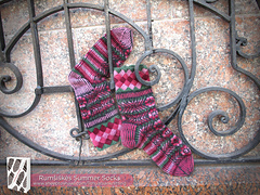 Lkct_rumsiskes_in_summer_socks_img_5303-logolarge_small