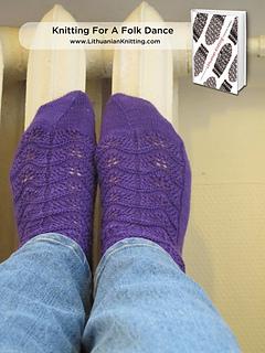 Lkct_knitting_for_a_folk_dance_img_5218-logofancy_small2