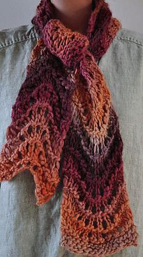 Chunkymo-fanst-scarf1_medium