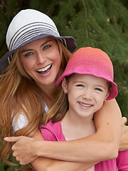 Bernat-cottonish-sun-hats_vert_9206_small