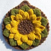 Woolen_crocodile_flower_potholder-felted_small_best_fit