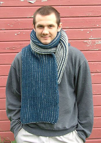Ravelry: Two-Color Brioche Scarf pattern by Elaine Phillips