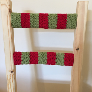 Red_and_green_crochet_chair_small2