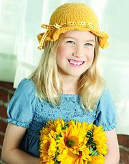 Kt04-sunflowerhat_vertical-small_small