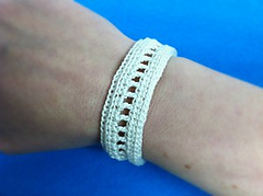 Inspired-bracelet-free-pattern_small