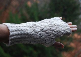 Voyager-fingerless-mitt-2a_small2