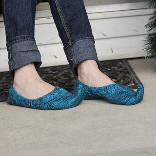 Persian_slippers_on_porch-4_small2